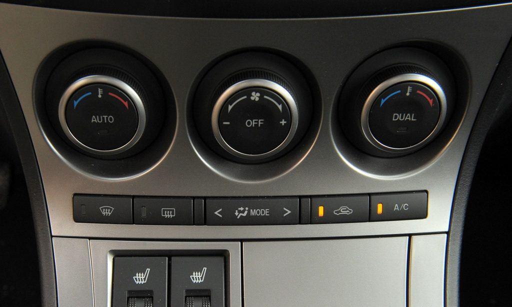 Mazda 3 II - klimatyzacja