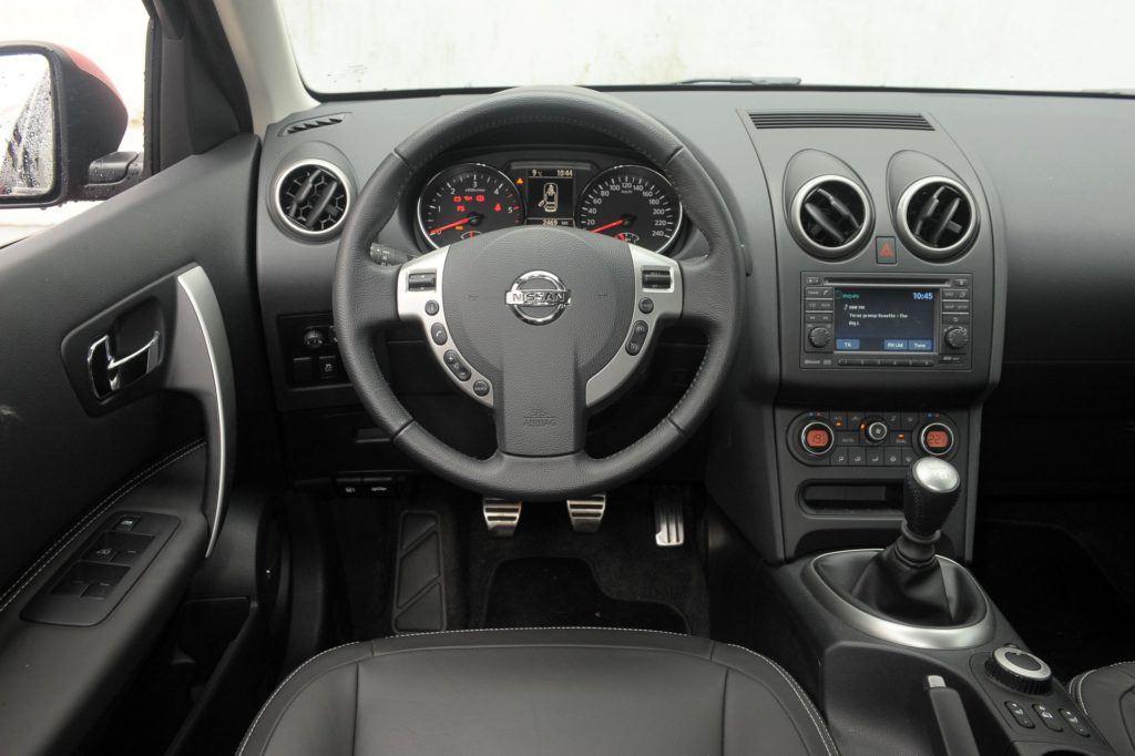 NISSAN Qashqai I FL Tekna 2.0dCi 150KM 6MT 4WD WY0316V 04-2010