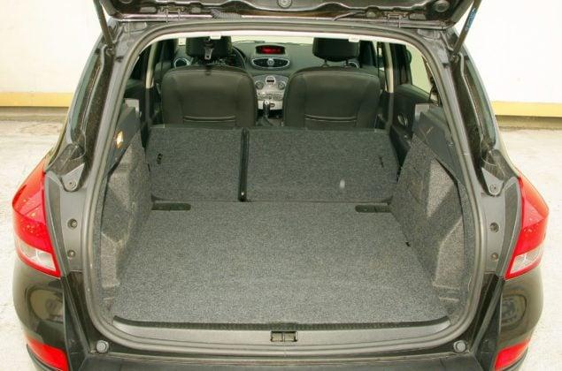 RENAULT Clio III FL Grandtour 1.2TCe 100KM 5MT WE3215S 11-2009