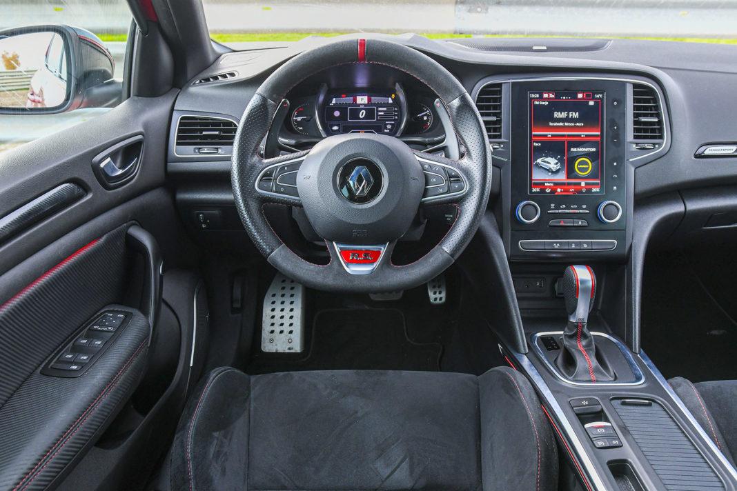 Renault Megane R.S. EDC Trophy – deska rozdzielcza