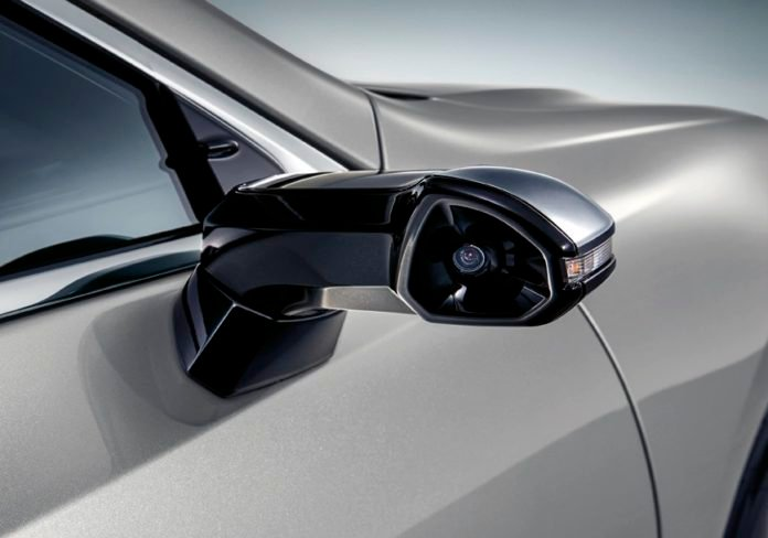 Lexus ES z kamerami zamiast lusterek