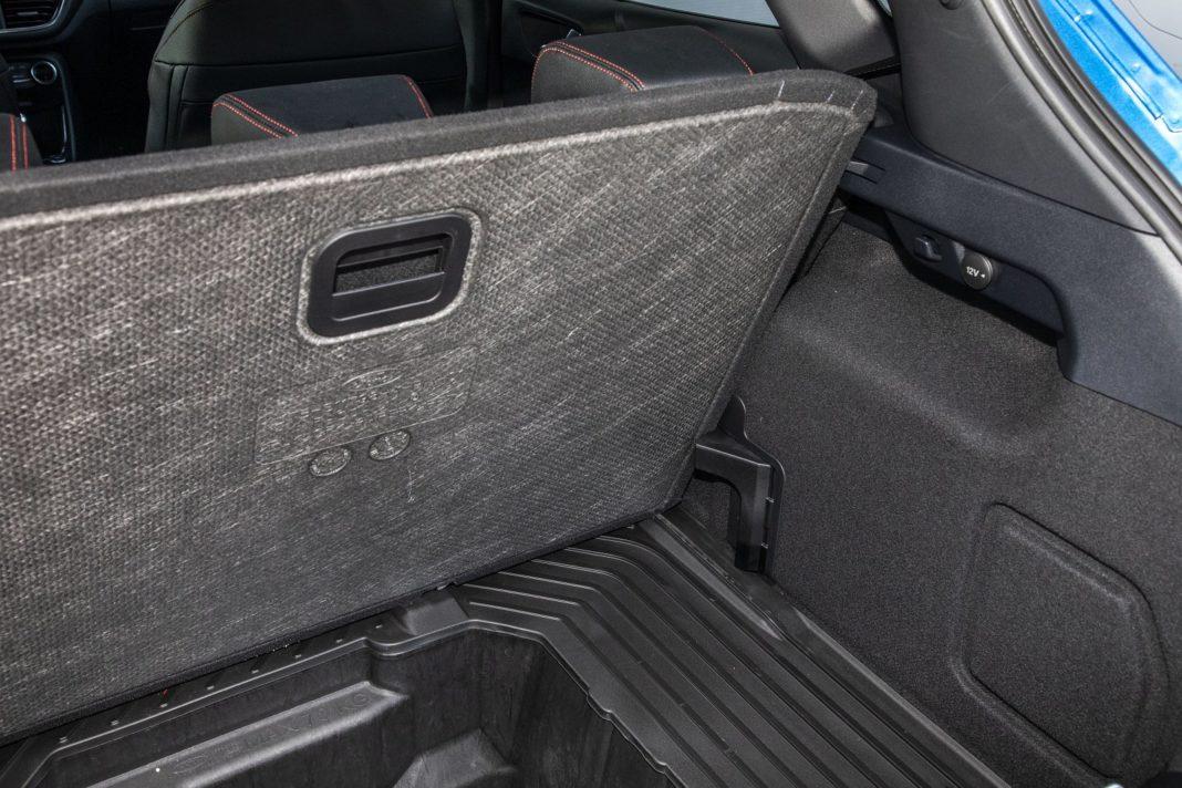 ford puma 1.0 ecoboost 125 km test 2020 - podwójna podłoga