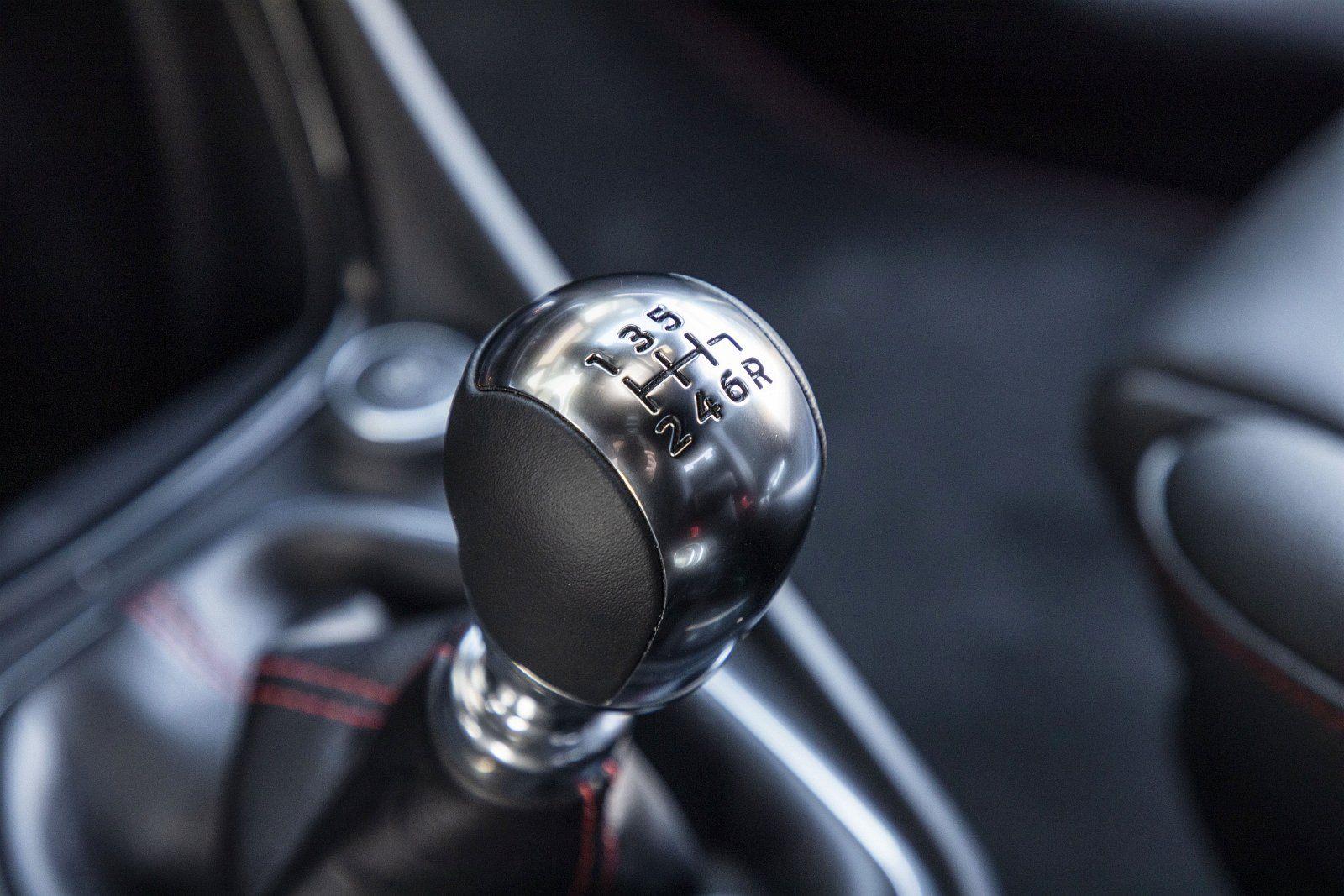 ford puma 1.0 ecoboost 125 km test 2020 - skrzynia biegów