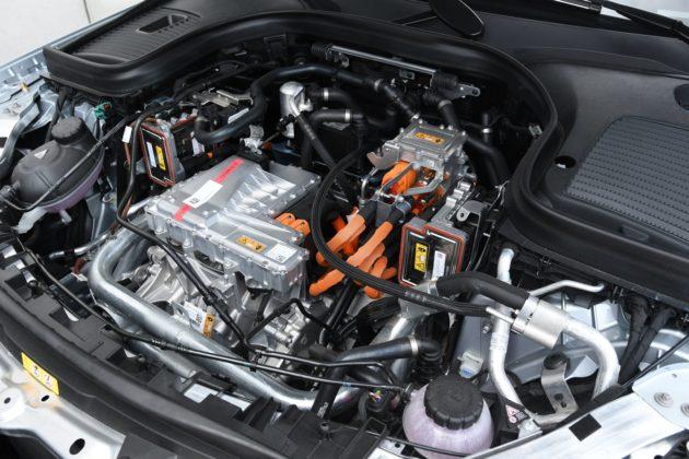 Mercedes EQC - przedni silnik elektryczny (204 KM)
