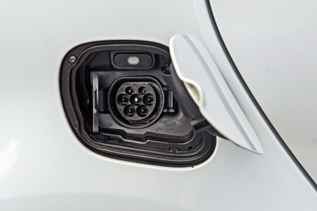 Smart EQ Fortwo Cabrio - gniazdo ładowania