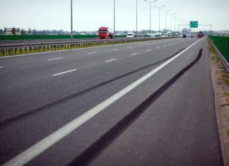 Hamowanie awaryjne na autostradzie