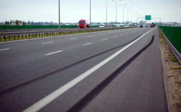 Droga hamowania na autostradzie 01