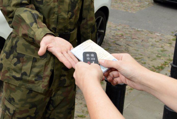Kiedy wojsko może zabrać auto