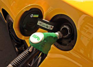 Ceny na stacjach paliw. Tak tanio nie było od lat!