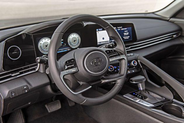 Hyundai Elantra (2021)