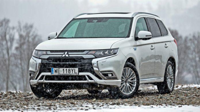 Mitsubishi Outlander PHEV (2020)