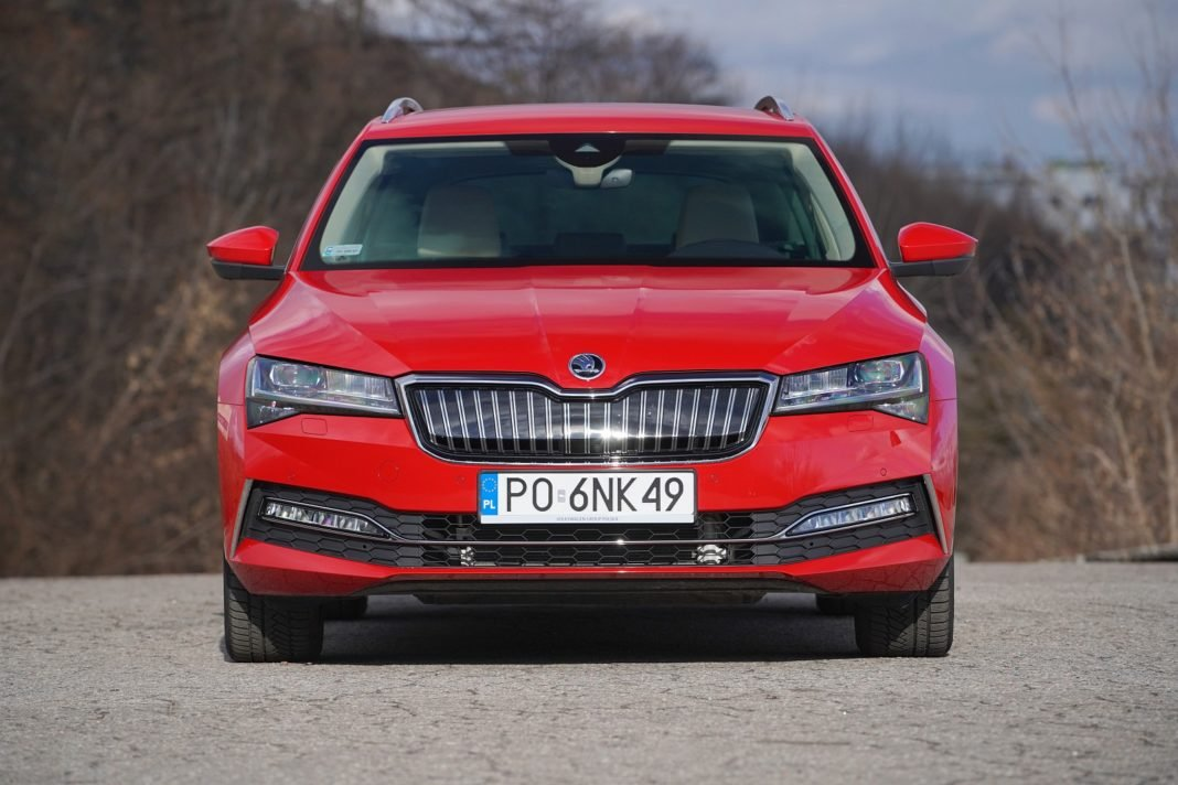 skoda superb iv combi 2020 test przód 01
