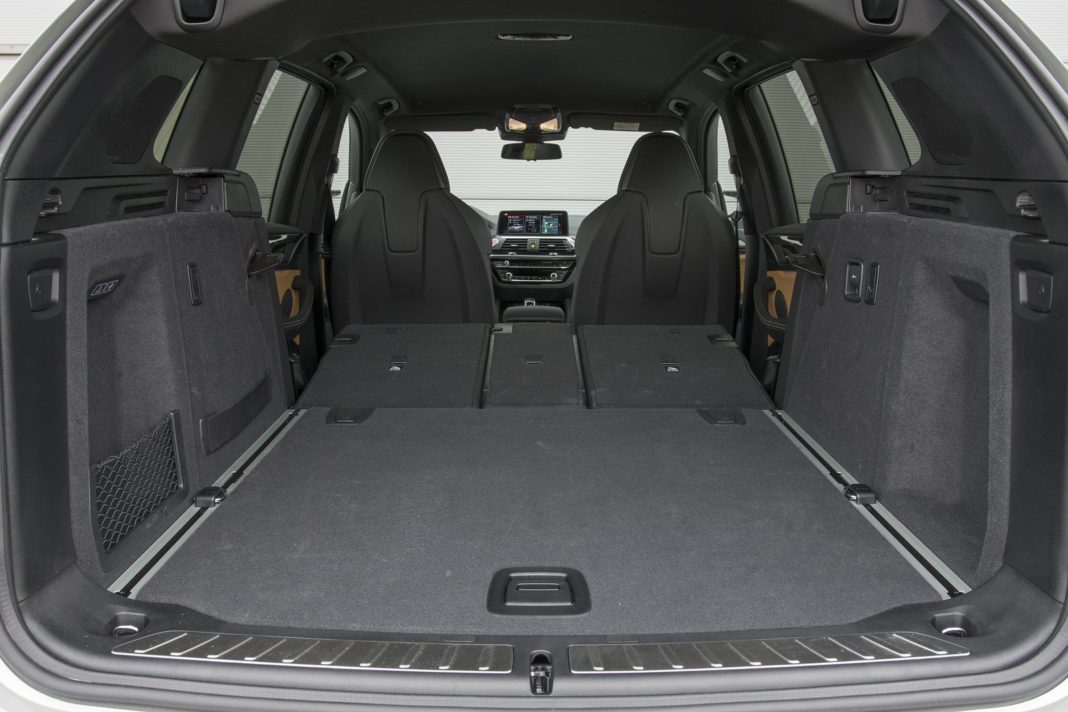 BMW X3 M (2020) - bagażnik