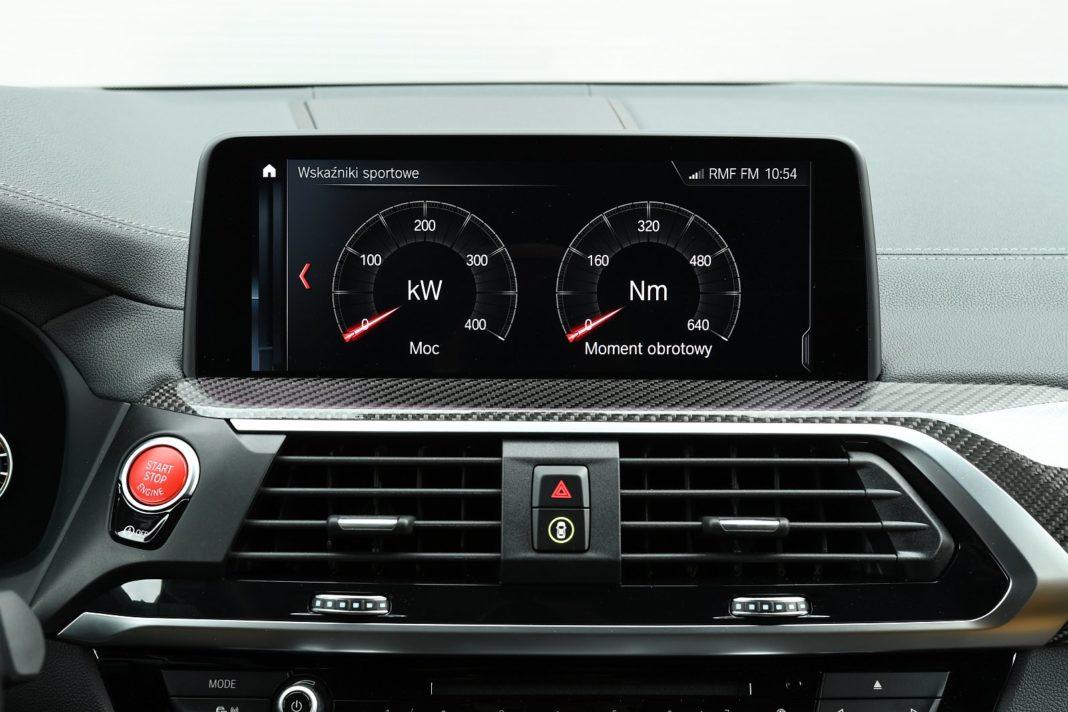 BMW X3 M (2020) - sportowe wskaźniki