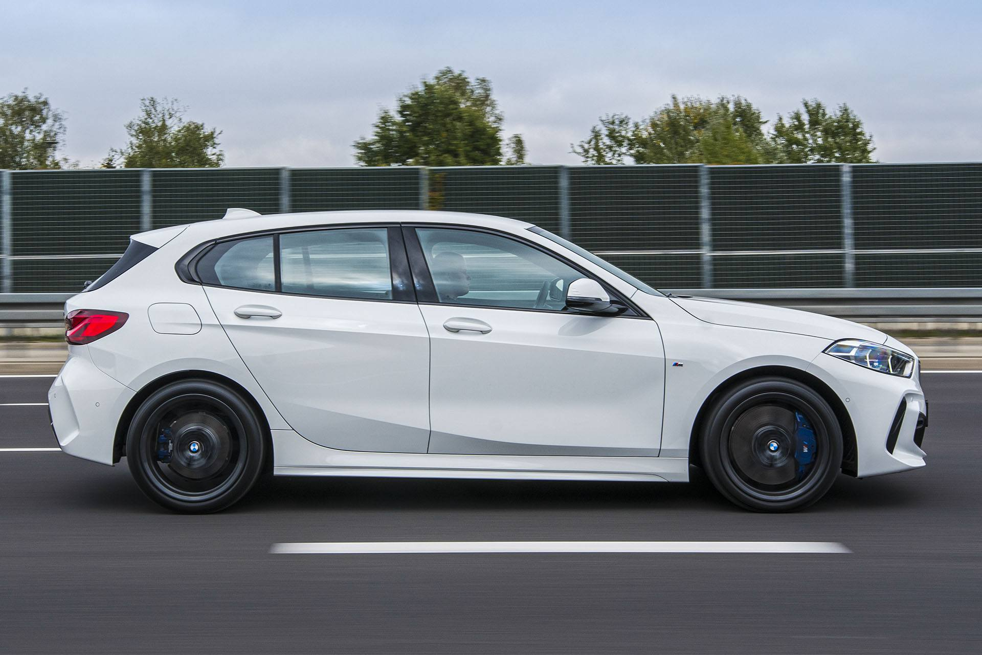 BMW 118i - bok