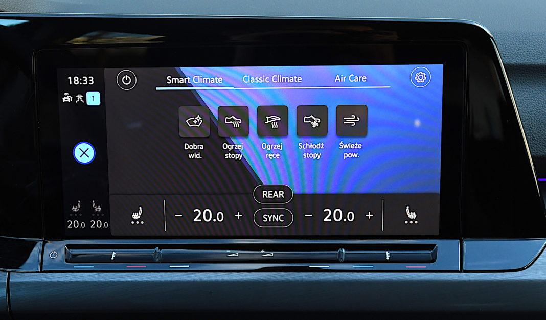 Volkswagen Golf 1.5 eTSI EVO DSG Style - ekran klimatyzcji
