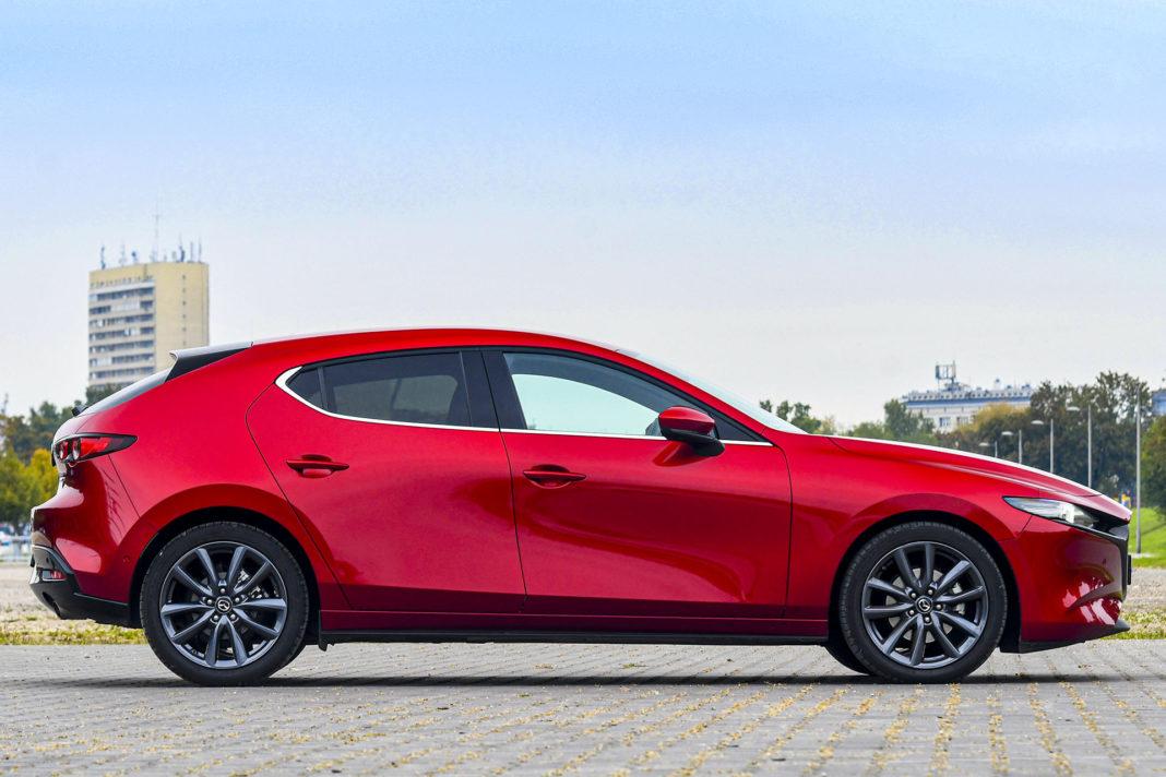 Mazda 3 - bok