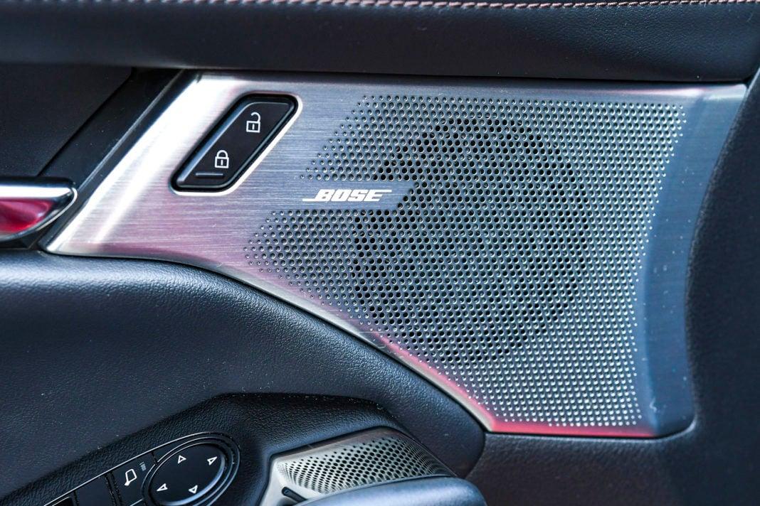 Mazda 3 - metalowe maskownice głośników