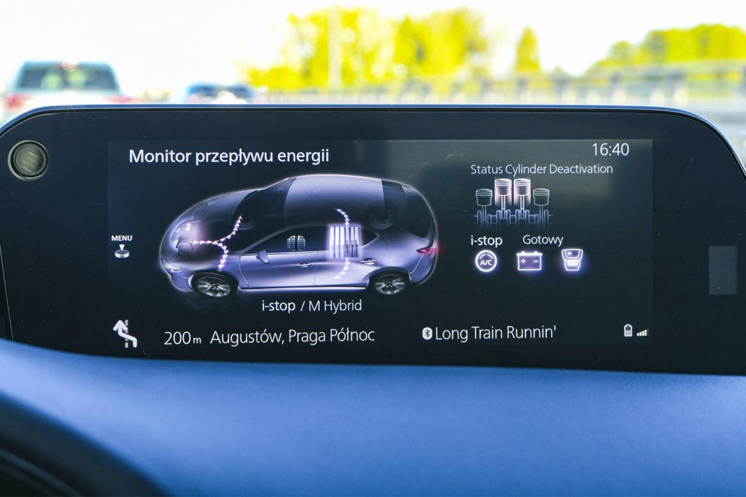 Mazda 3 - ekran centralny