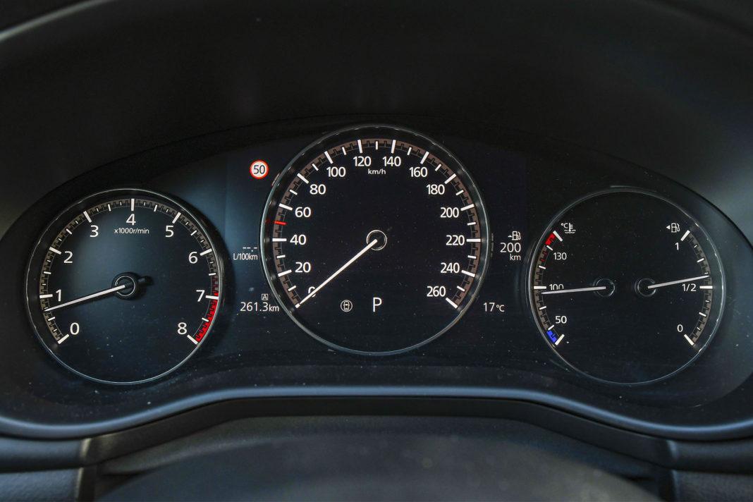 Mazda 3 - ekran wskaźników