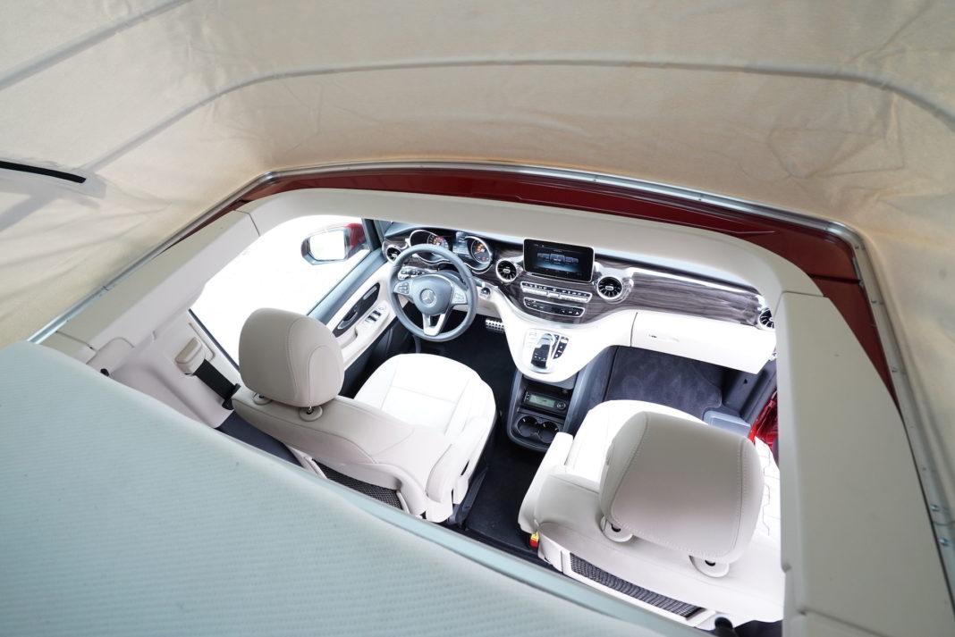 Mercedes-Marco-Polo-kokpit