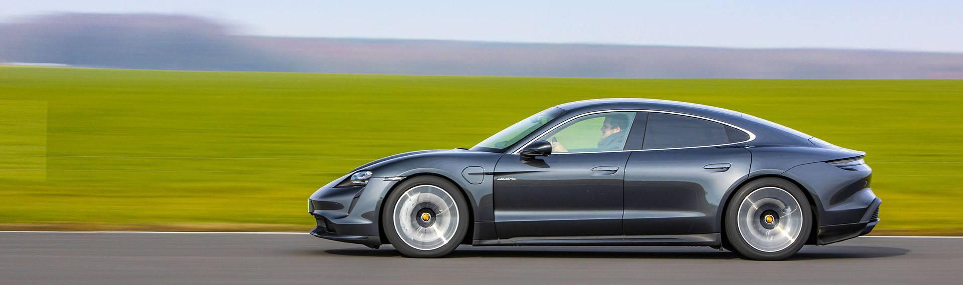 Sylwetka Porsche Taycan – Test Porsche Taycan Turbo