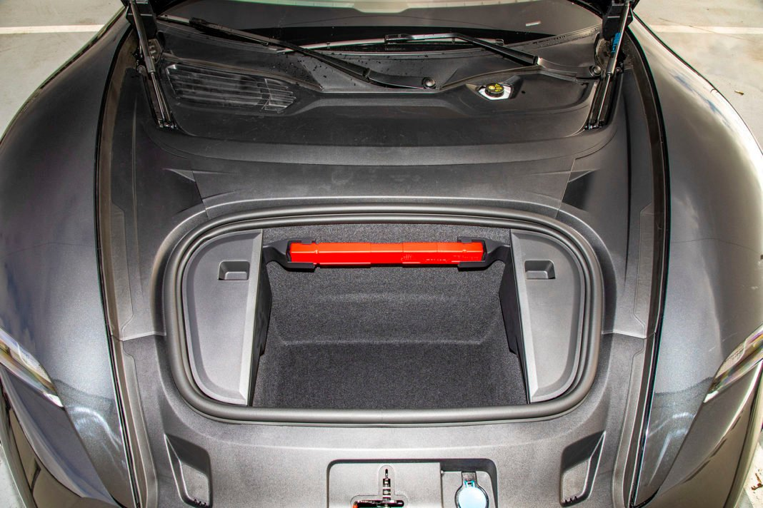Przedni bagażnik Porsche Taycan – Test Porsche Taycan Turbo