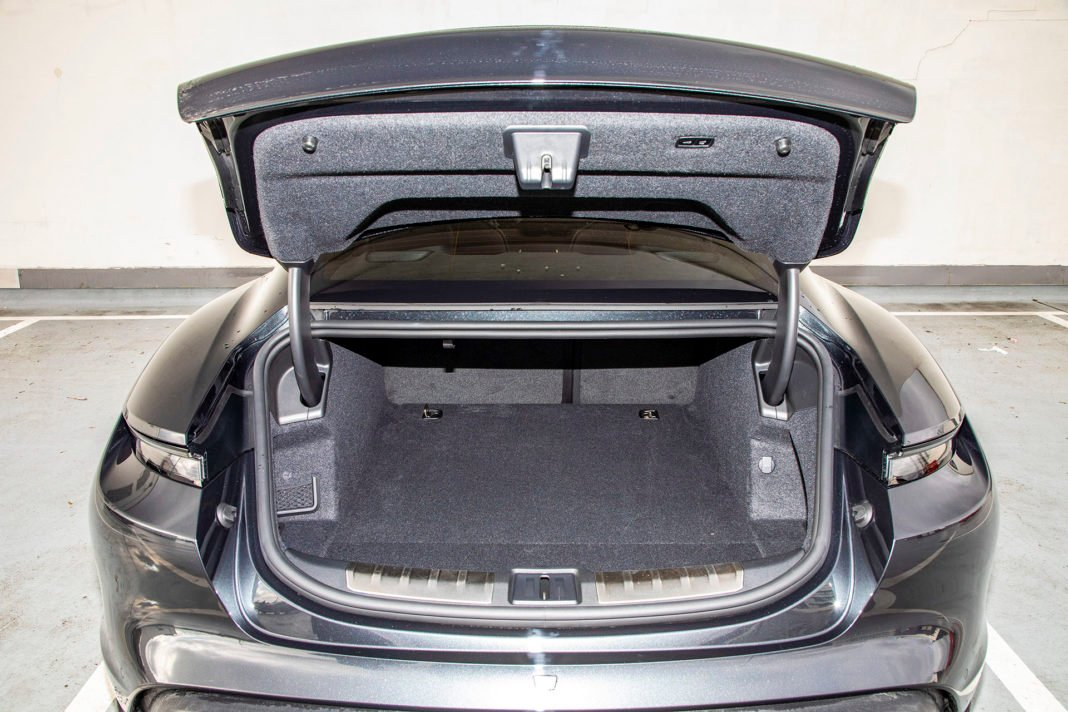 Tylny bagażnik Porsche Taycan – Test Porsche Taycan Turbo