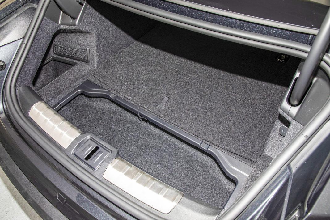 Tylny bagażnik z wnęką Porsche Taycan – Test Porsche Taycan Turbo