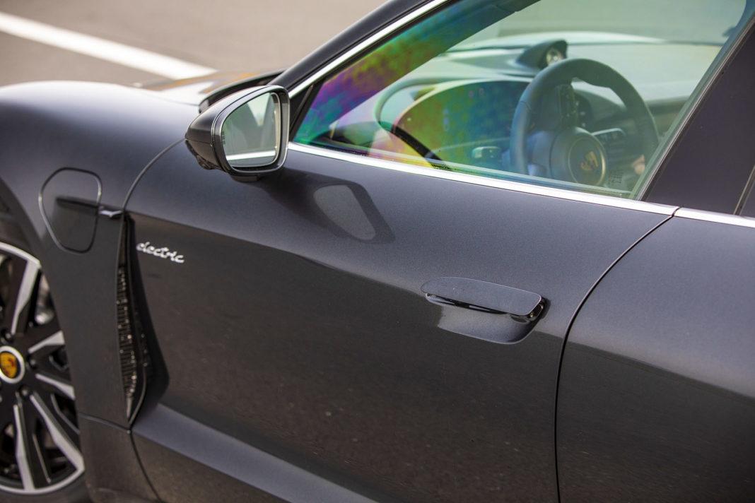 Porsche Taycan Turbo - klamka