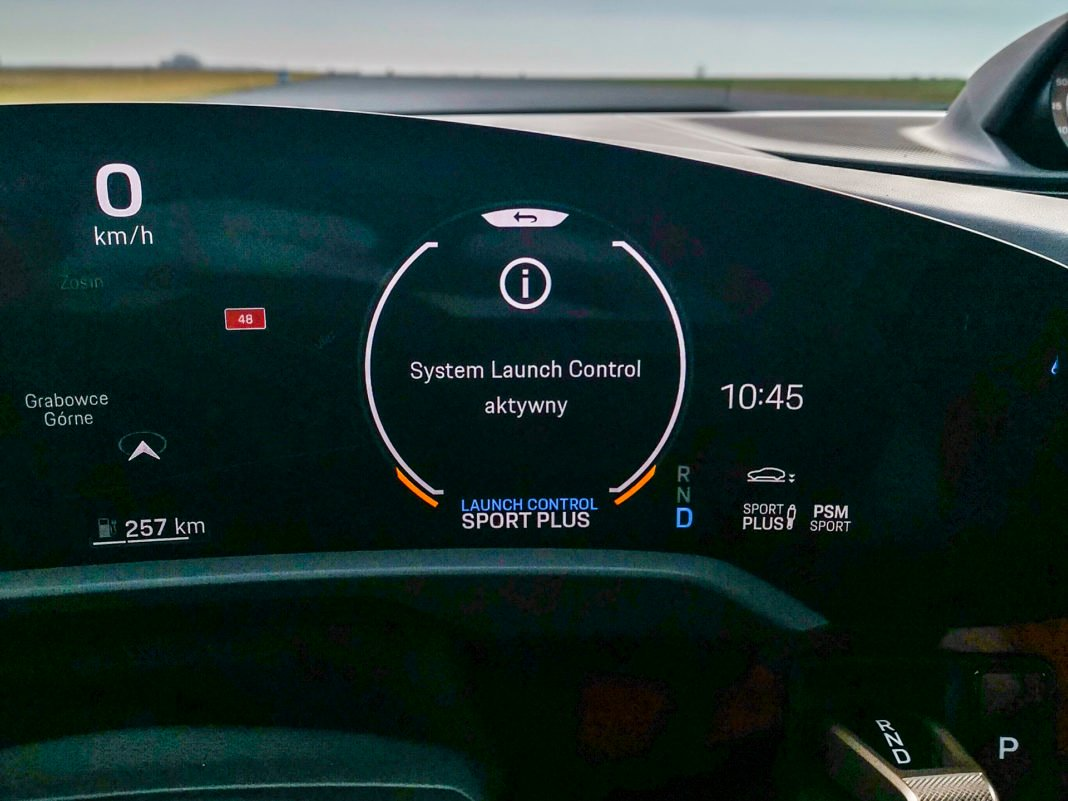 Porsche Taycan Turbo - launch control