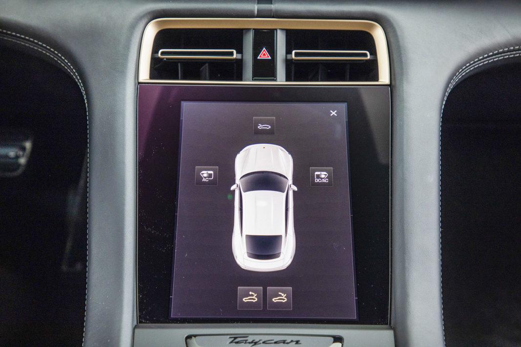 Ekran Porsche Taycan – Test Porsche Taycan Turbo