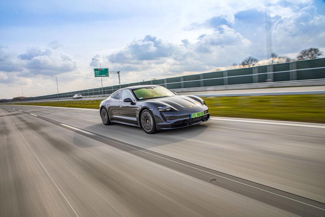 Porsche Taycan Turbo - przód