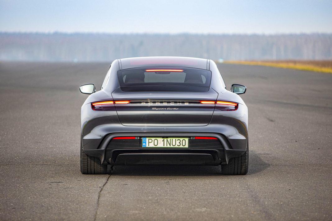 Porsche Taycan Turbo - tył