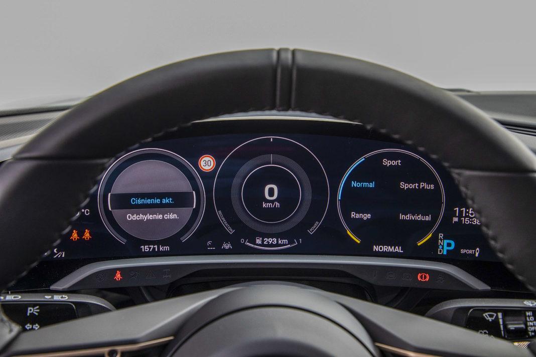 Porsche Taycan Turbo - zegary