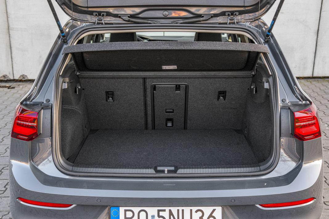 Volkswagen Golf 1.5 eTSI EVO DSG Style - bagażnik