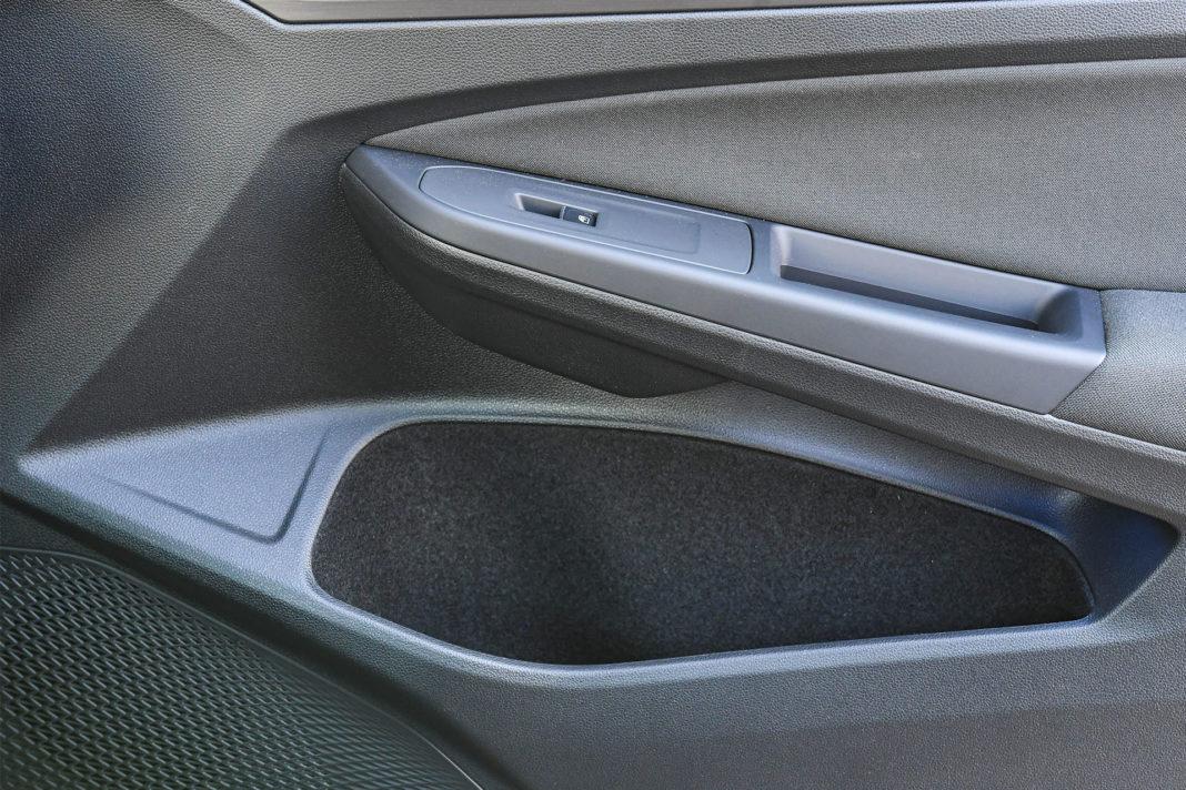 Volkswagen Golf 1.5 eTSI EVO DSG Style - kieszenie
