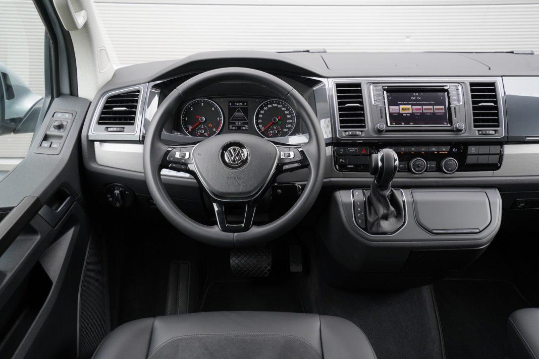 Volkswagen California - kokpit