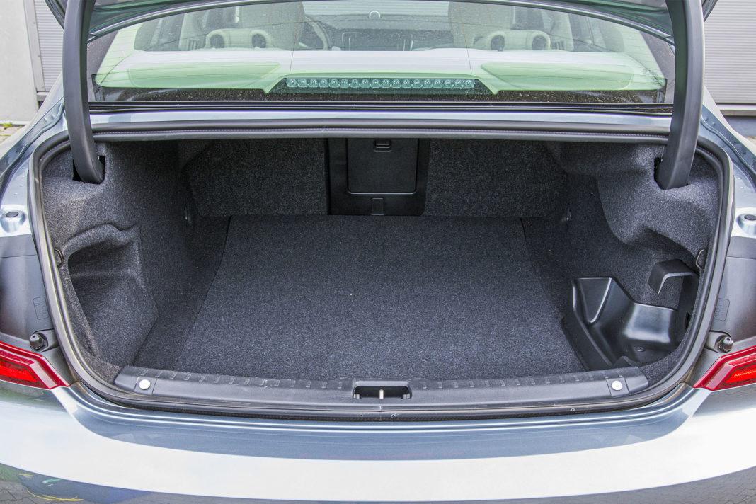 Volvo S90 T8 eAWD Inscription - bagażnik