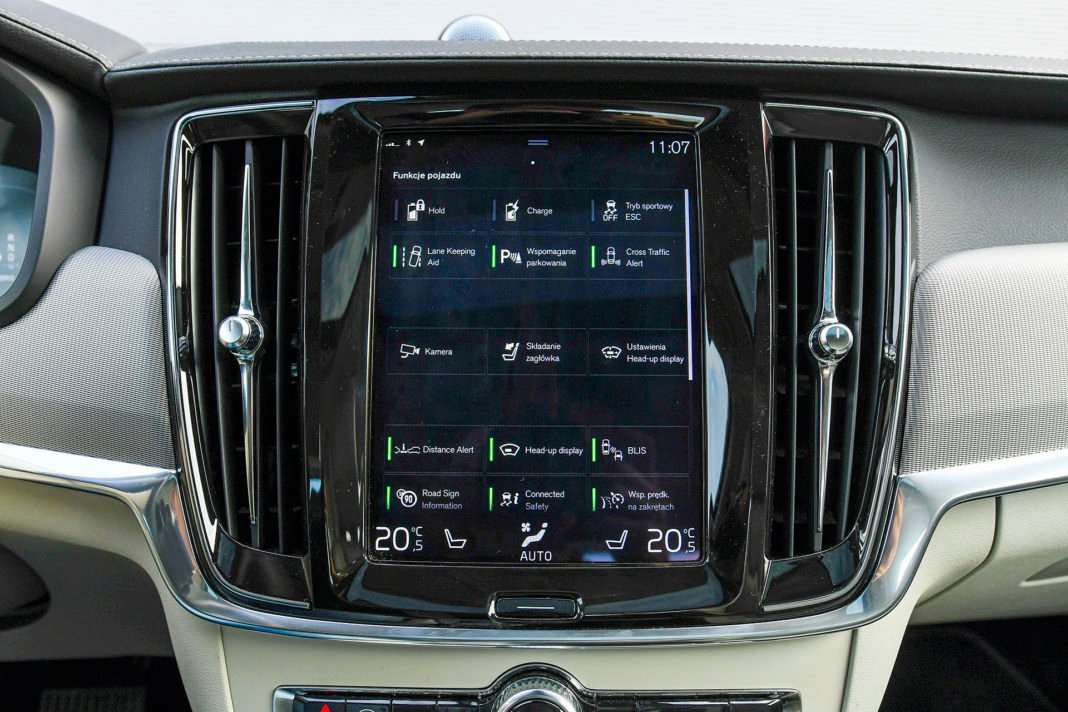 Volvo S90 T8 eAWD Inscription - systemy