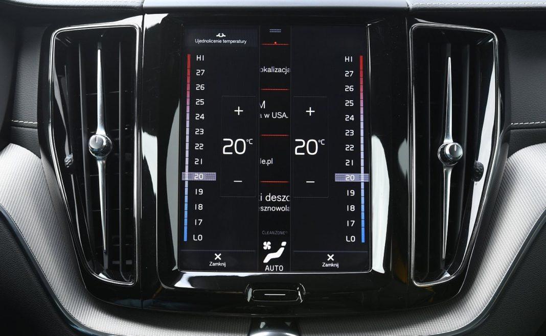 Volvo XC60 T8 Polestar Engineered (2020) - regulacja temperatury