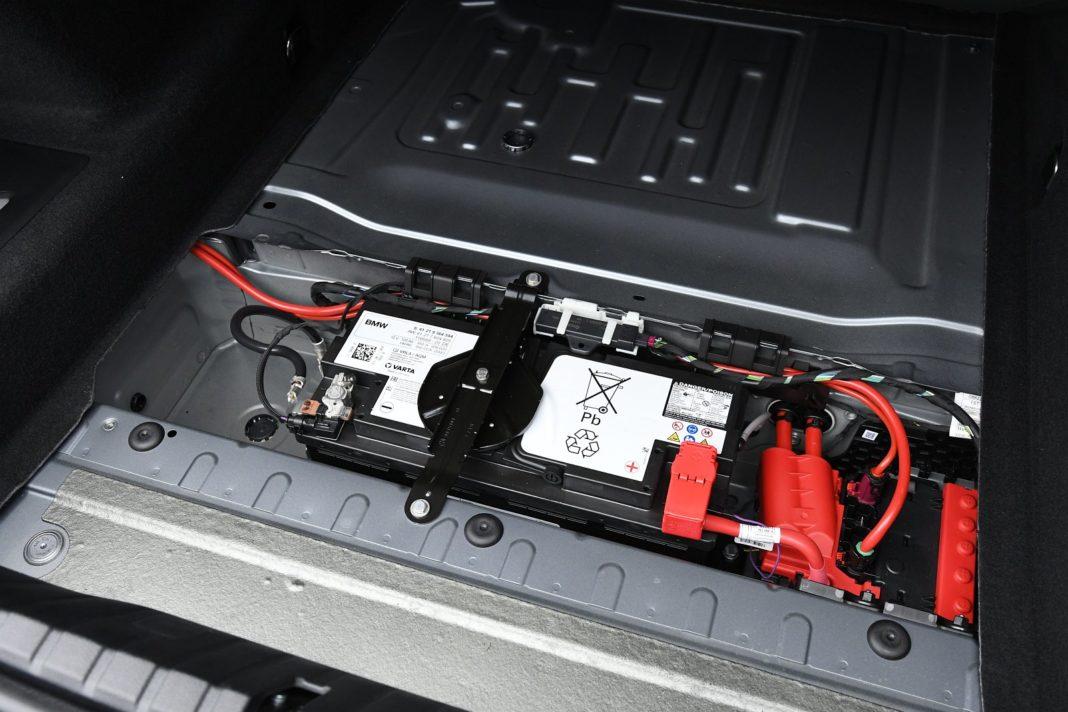 BMW M850i Gran Coupe (2020) - bagażnik