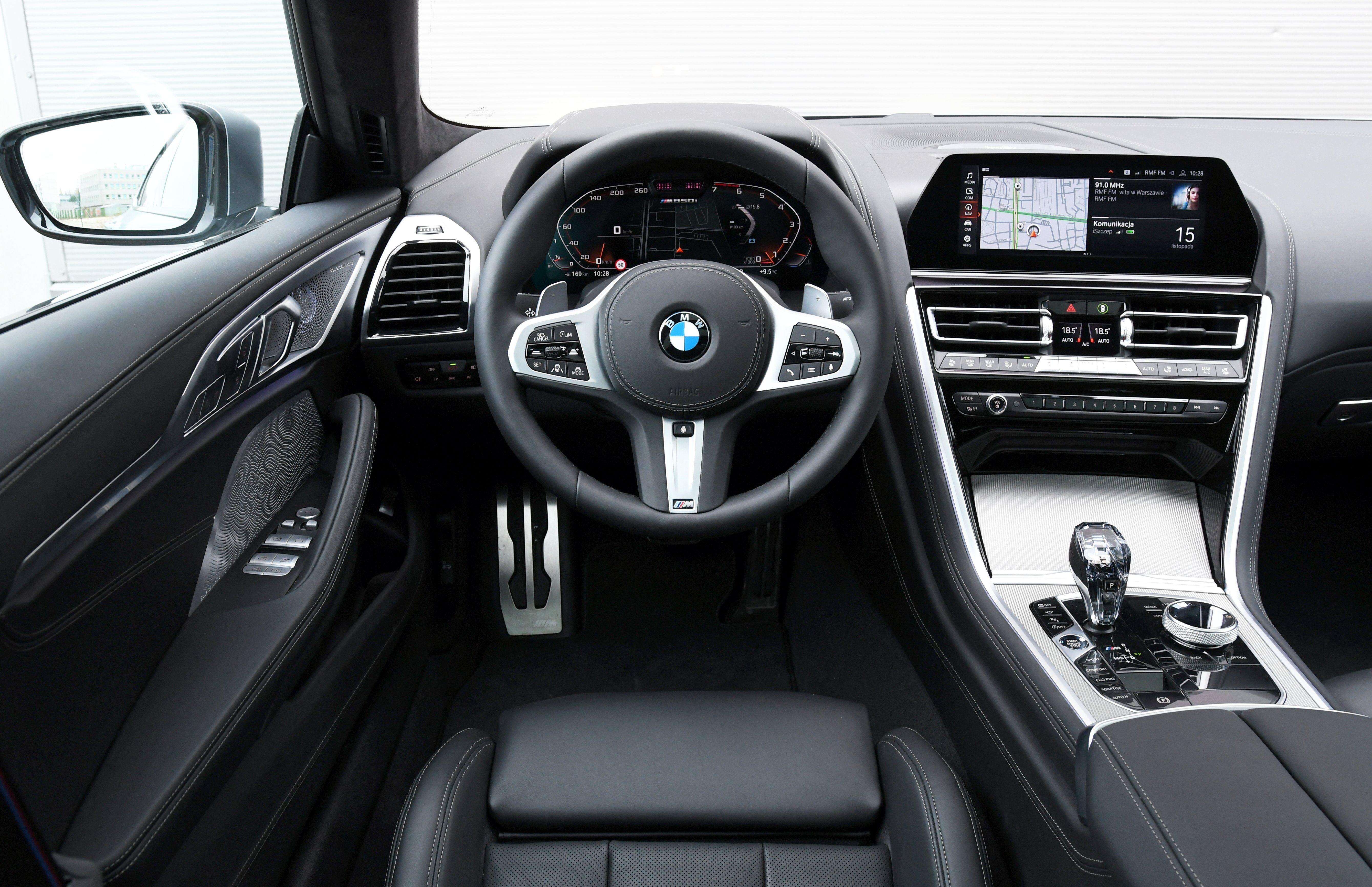 BMW M850i Gran Coupe (2020) - deska rozdzielcza