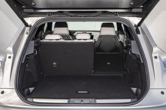 DS 7 Crossback E-Tense 4x4 - bagażnik