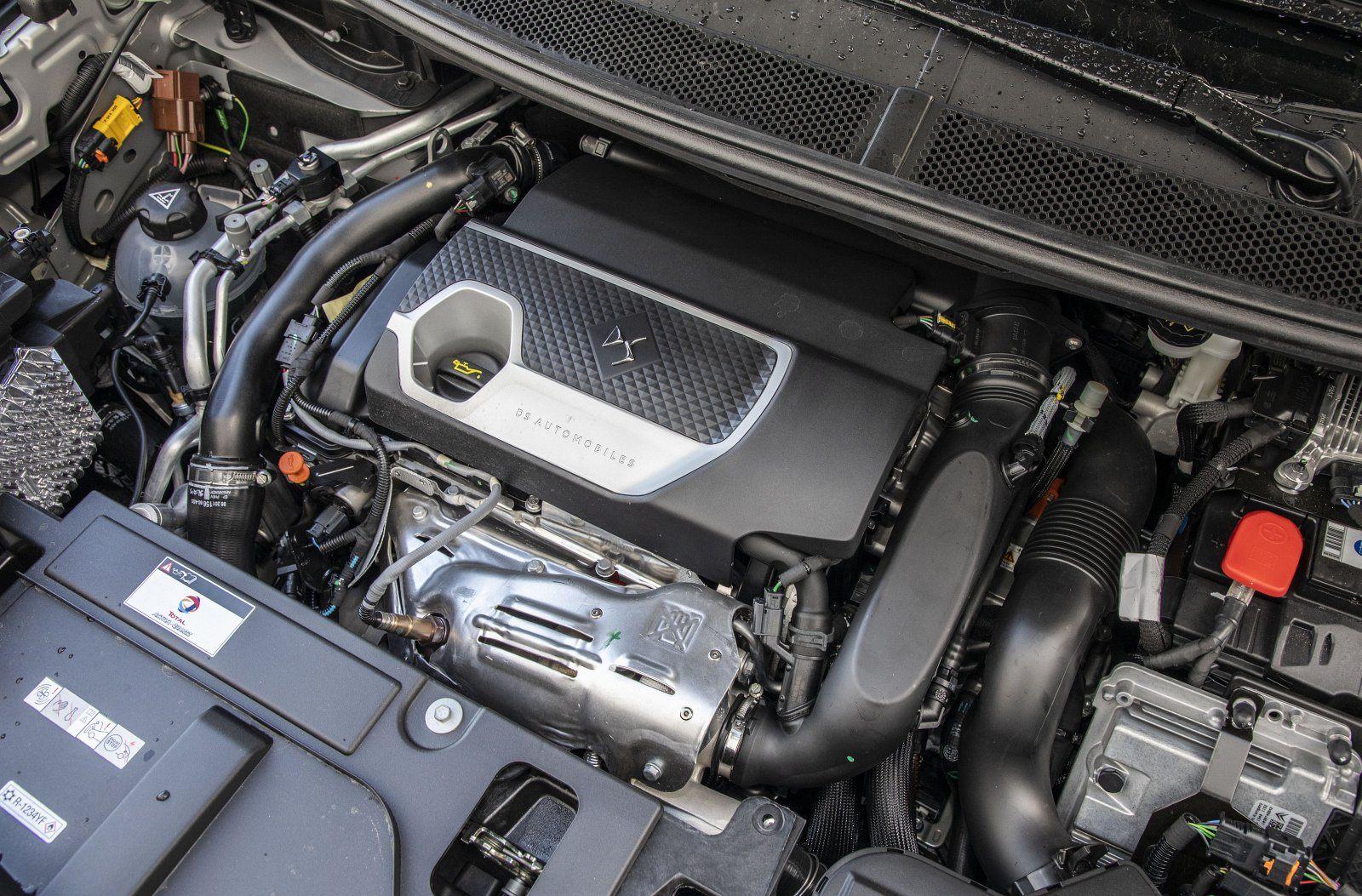 DS 7 Crossback E-Tense 4x4 - silnik