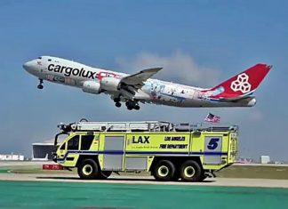 Wóz strażacki kontra Jumbo Jet – nietypowy wyścig na lotnisku