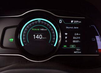 Szybciej, ale wolniej. Jak prędkość wpływa na zasięg samochodu elektrycznego?