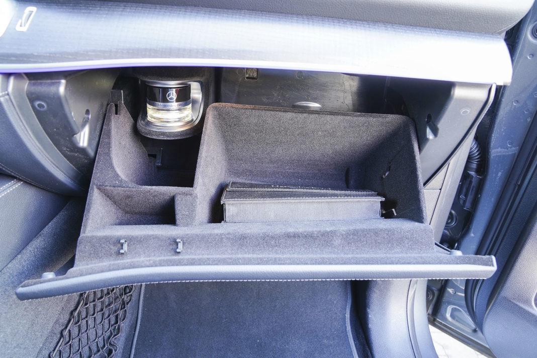 Mercedes GLE - schowek i rozpylacz zapachu
