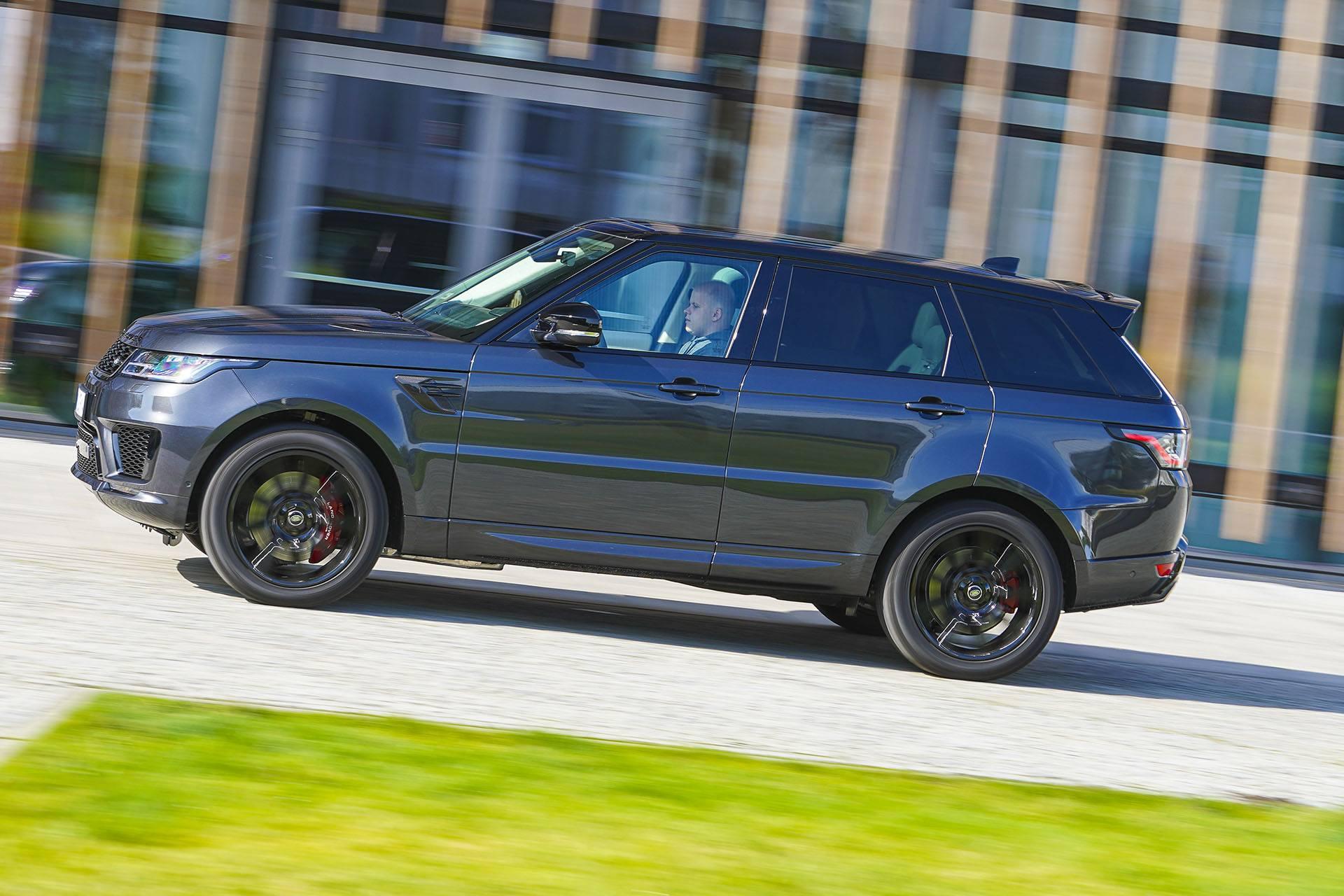 Range Rover Sport - bok - Land Rover Discovery, Mercedes GLE, Range Rover Sport, Volkswagen Touareg, Volvo XC90 – PORÓWNANIE –opinie, dane techniczne, wymiary