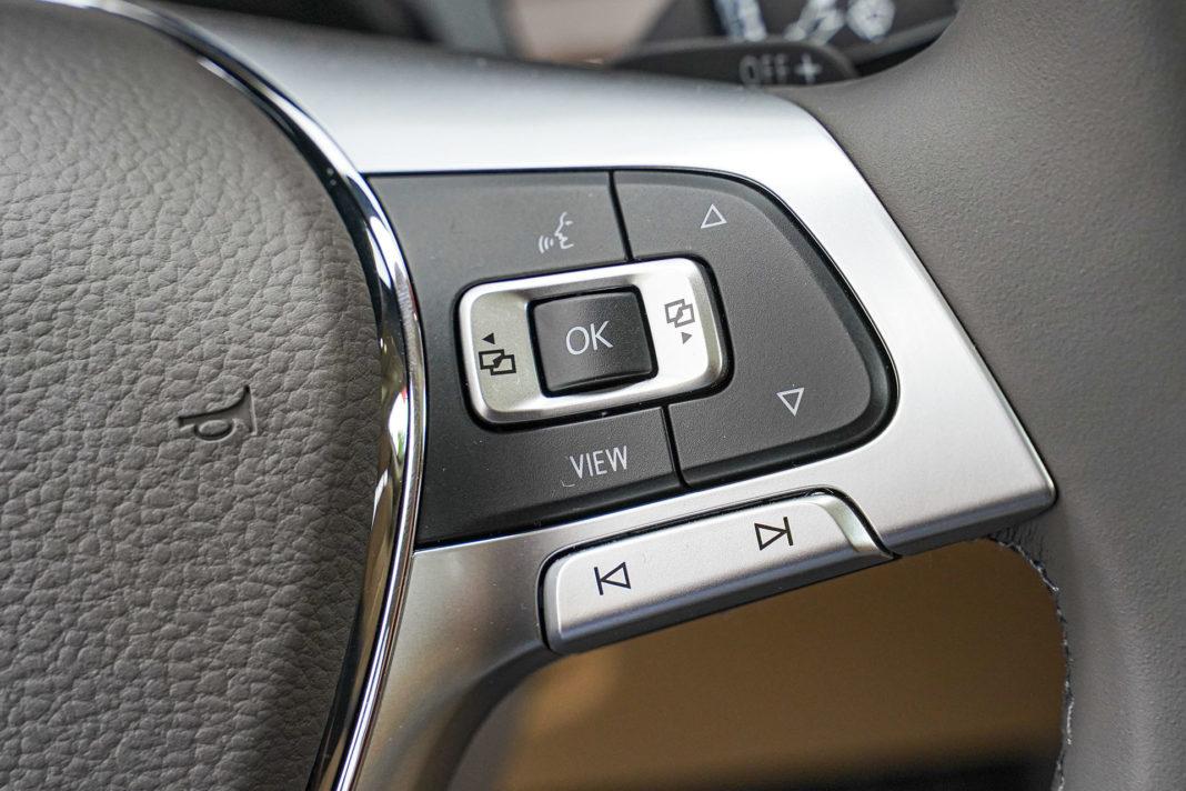 Volkswagen Touareg - sterowanie z kierownicy